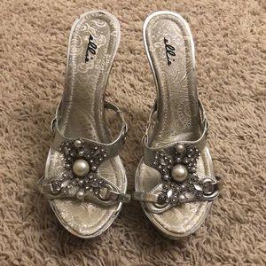 094dc5dbeaf9 Ellie Size 7 Silver Rhinestone   Gray Pearl Mules